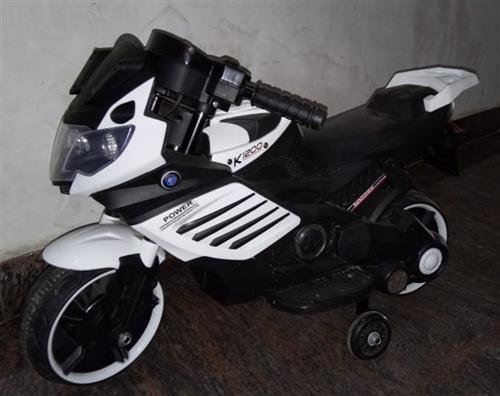Jr Battery Operated bike black and white