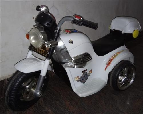 Jr Battery Operated bike White